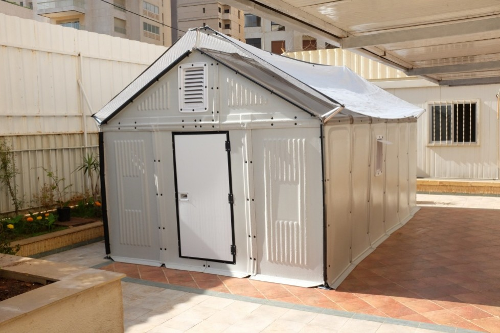 Ikeino sklonište za izbeglice i ugrožene montira se za samo četiri sata
