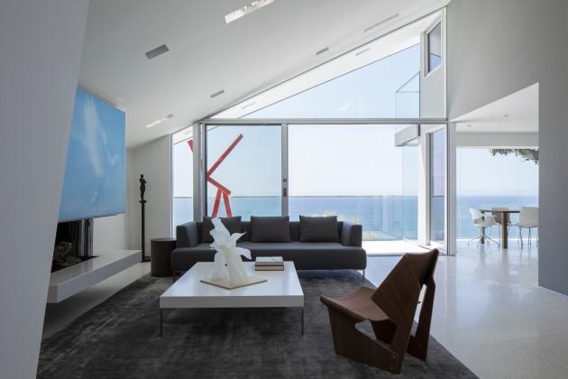 Montee Karp Residence01