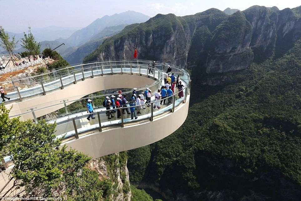 U Kini otvorena najduža (i najstrašnija) staklena staza na svetu