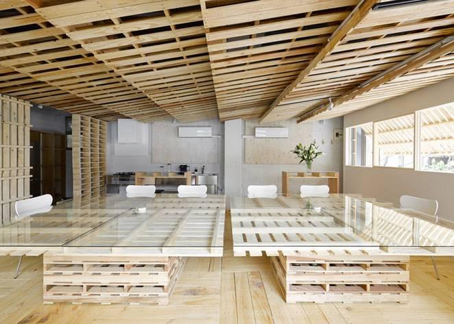 Poslovni prostor renoviran sa 130 drvenih paleta