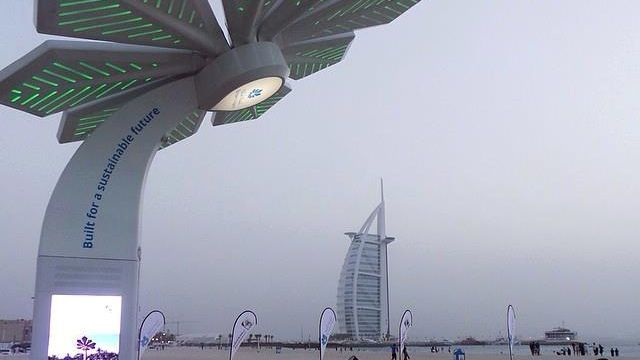 Solarne wi-fi palme visine 6 metara pune vaš mobilni telefon