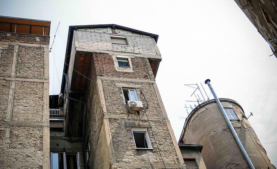 Sazidao kuću na vrhu zgrade u centru Beograda