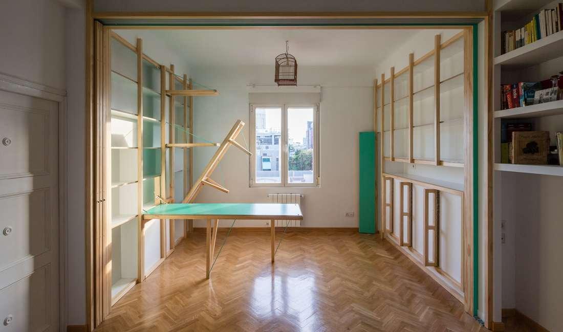 Mali stan koji se otvara kao švajcarski nožić