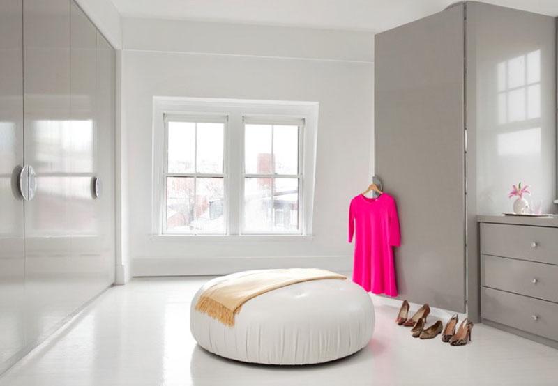 20 najboljih ideja za walk in garderobere for Bedroom designs with attached bathroom and dressing room