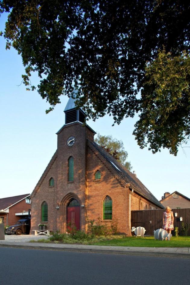Crkva postala stambeni prostor 01