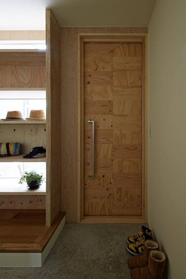 Kuća sa drvenom fasadom 03