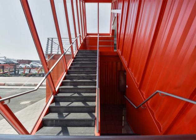 Stepeniste od transportnog kontejnera 03
