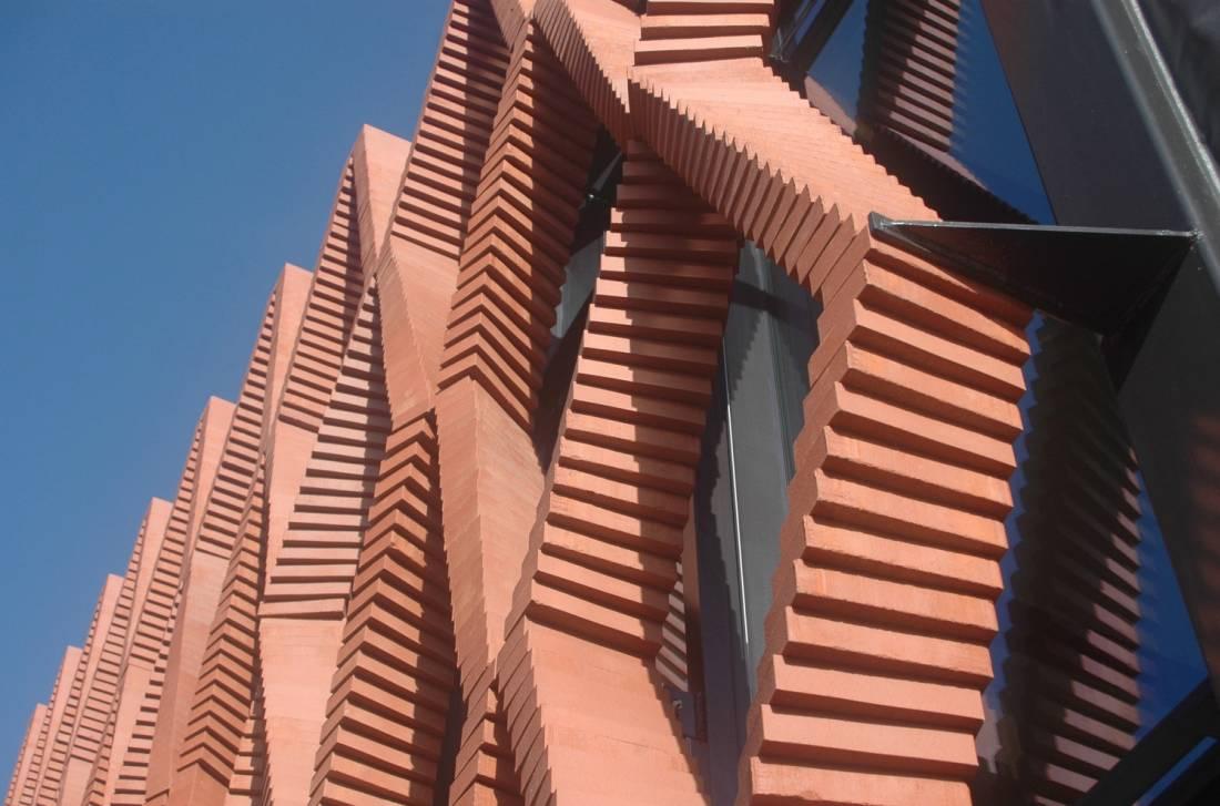 Ovakvu fasadu od opeke može da sazida samo robot