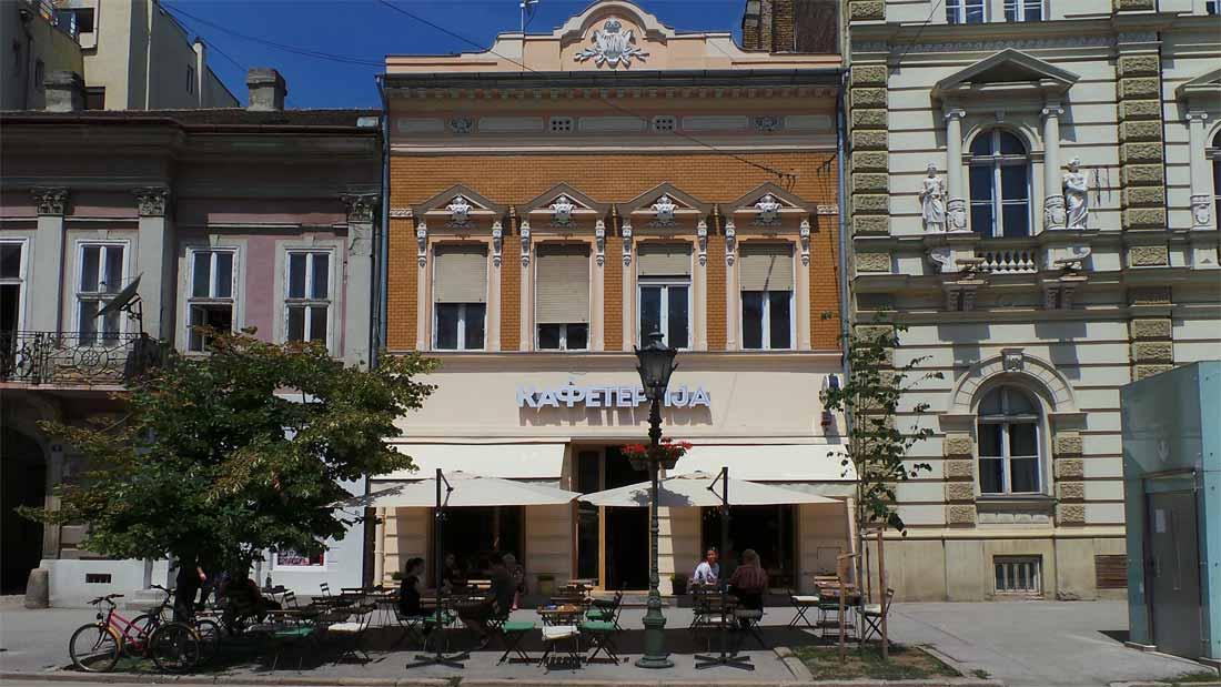 Stara novosadska kuća pretvorena u kafić