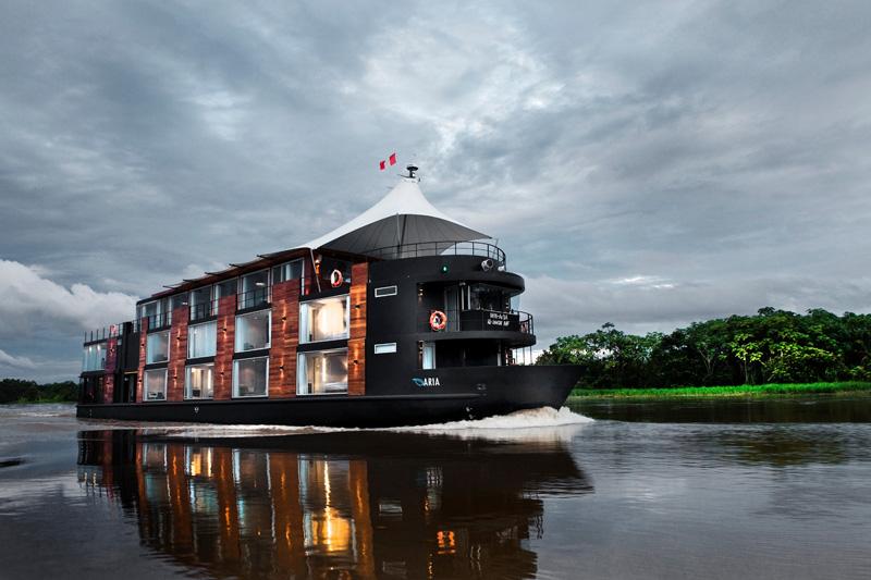 Kakav to hotel plovi Amazonom