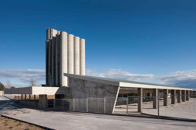 Autobuska stanica u potpunosti izvedena u betonu