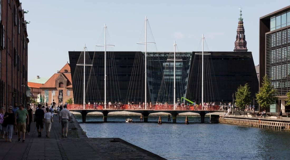 Pešački most u Kopenhagenu napravljen u čast dobrog života u Danskoj