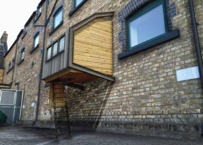 Skloništa za londonske beskućnike prikačena na zgrade