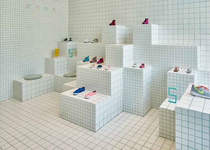 Prodavnica obuće inspirisana školskim sveskama na kvadratiće