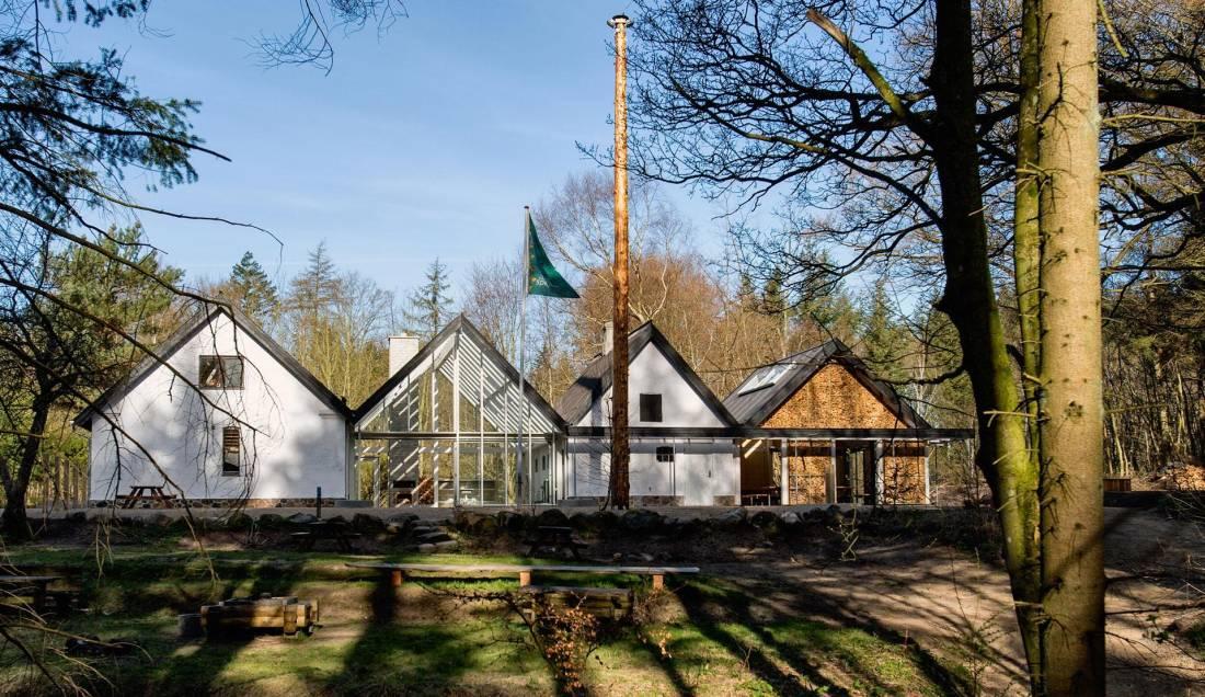 Kako je od starih kuća napravljen savremen dečiji rekreativni centar