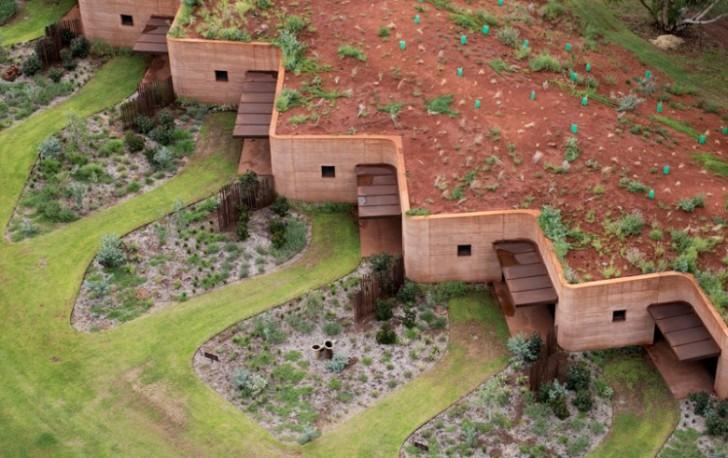 Zgrada s jednom fasadom: Komforni život ispod površine zemlje