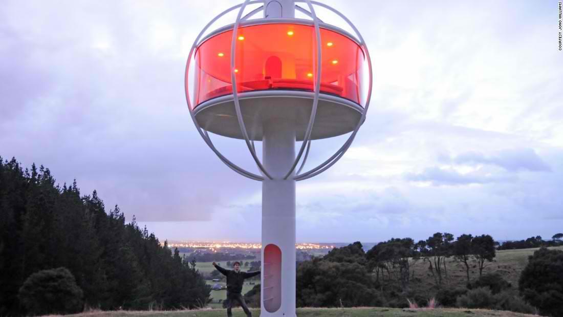 Solarno napajana kućica na tornju koja će vam čak poslužiti i pivo