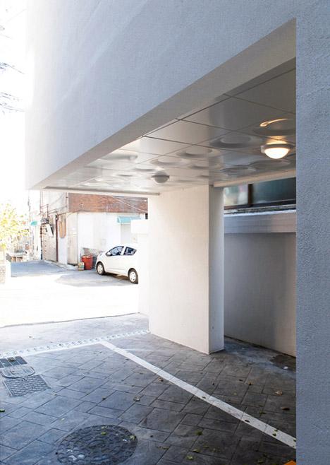 Guro-dong-Mini-House-by-AIN-Group_dezeen-b_468_06