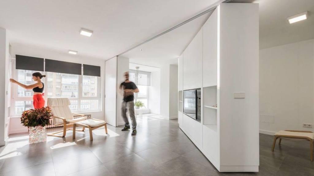 Guranjem zidova preoblikujte porodični stan u stan za žurke