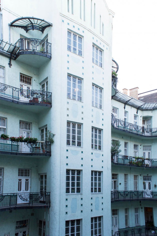 Apartment-in-Budapest-by-Flying-Objects-15