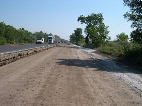 Posle tretmana: asfalt u tri sloja (23 cm), sloj betona (20 cm), zaštitni sloj protiv mržnjenja (15 cm), stabilizacija 50 MPa (35 cm)