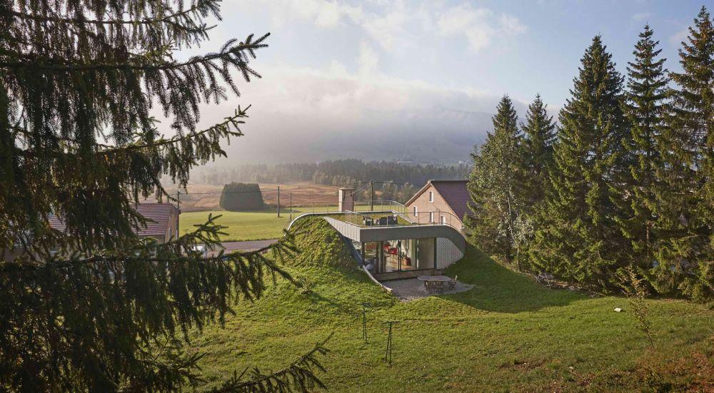 Vila projektovana da izgleda kao brežuljak u pejzažu