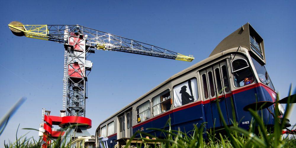 Noć u Amsterdamu možete provesti i u kranu