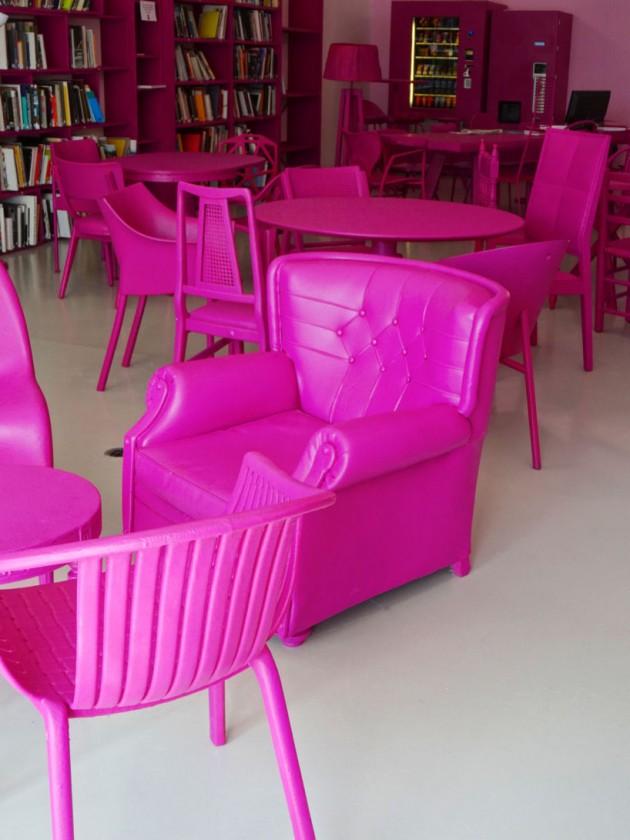 Roze namestaj 01