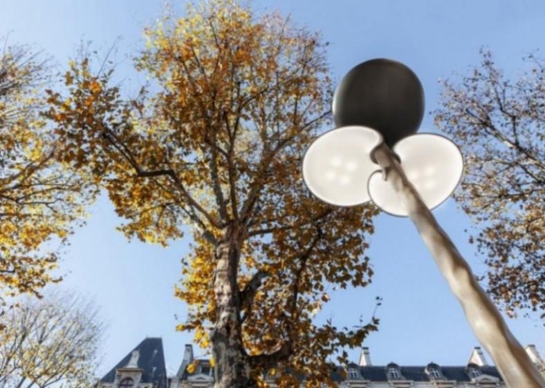 Nova ulična solarna svetiljka koja imitira drveće