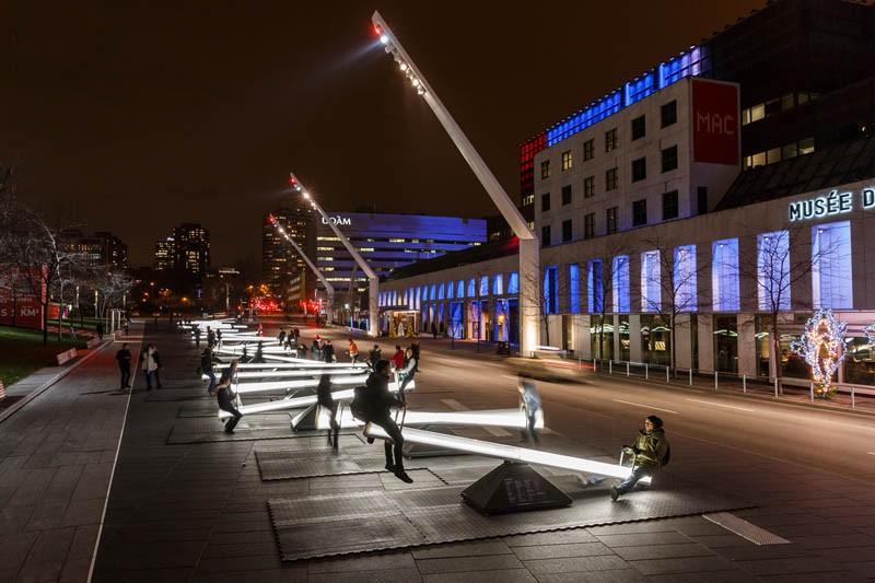 Klackalice kao ulična rasveta u Montrealu