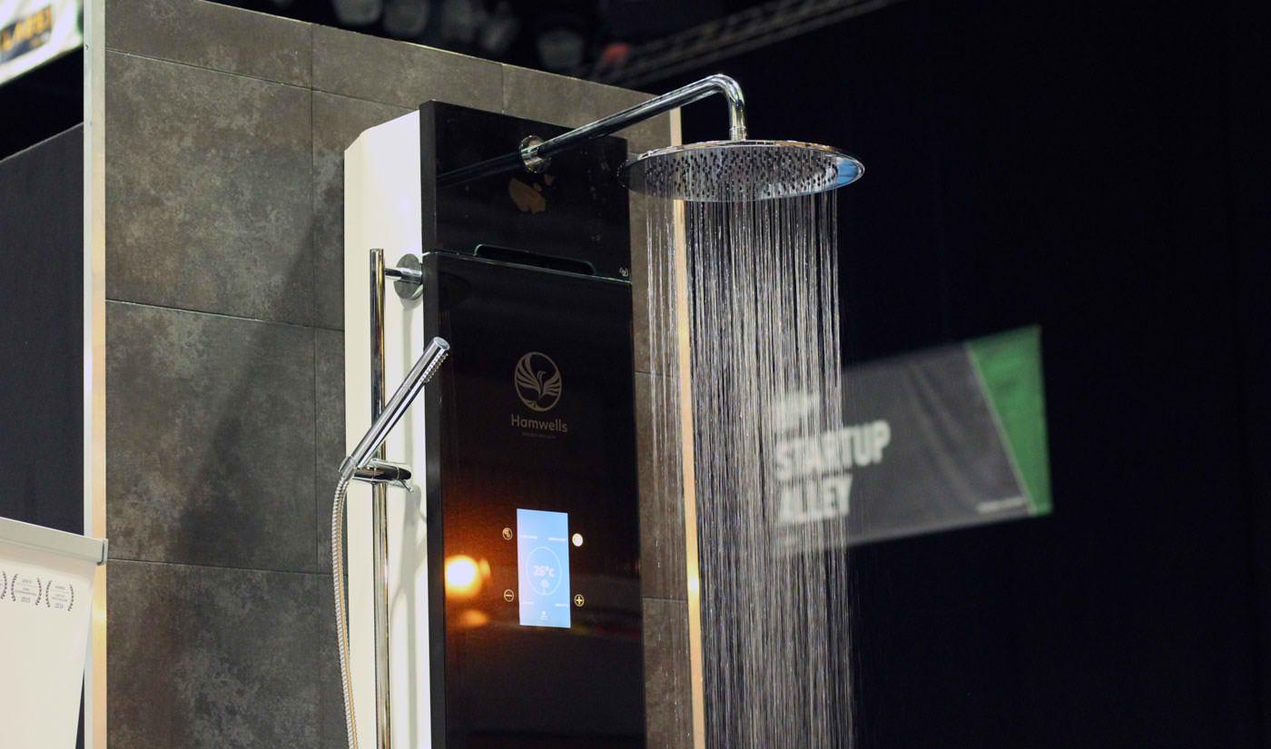 Recirkulacioni tuš koji koristi istu vodu sedam puta