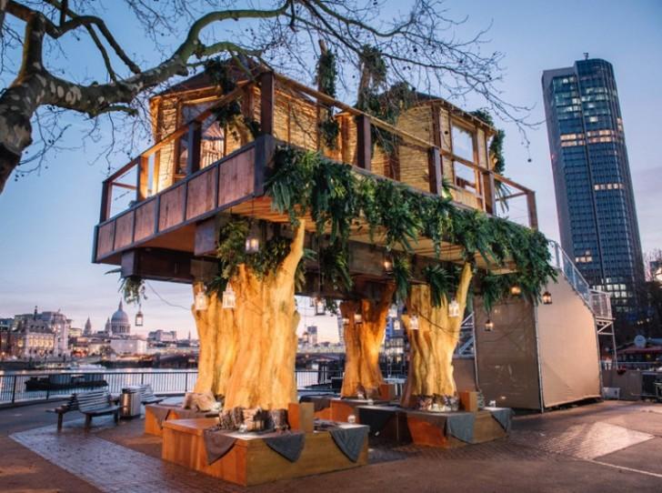 Usred Londona izgrađena kućica na drvetu u afričkom stilu