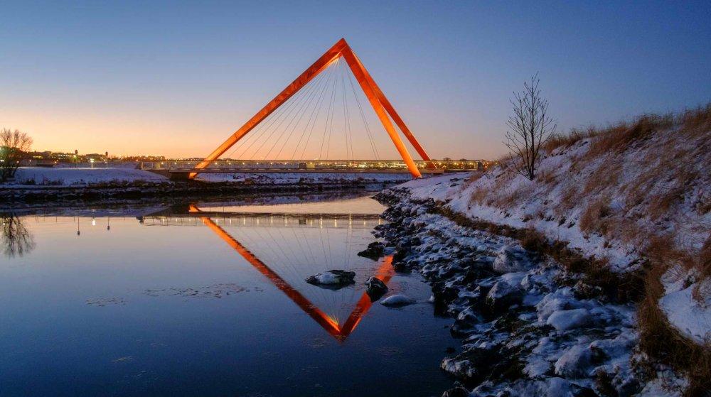 Pasarele u Rejkjaviku u obliku piramida