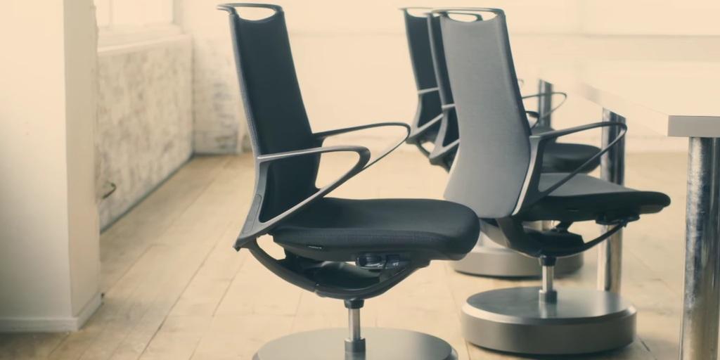 Kancelarijske stolice koje se same preslože nakon sastanka