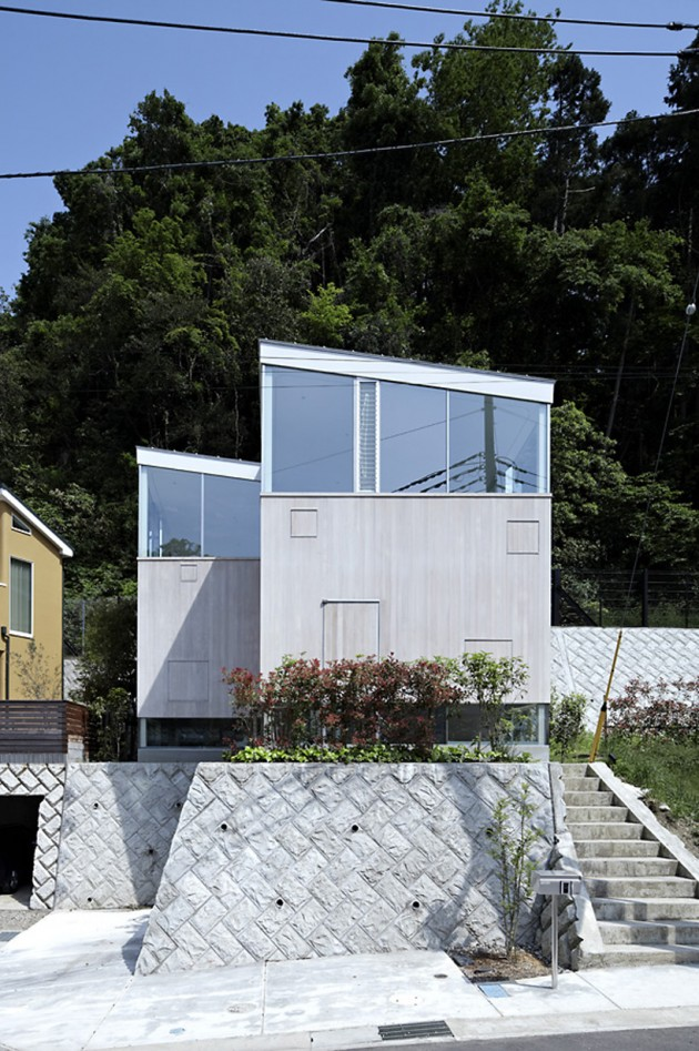 Forest house 01