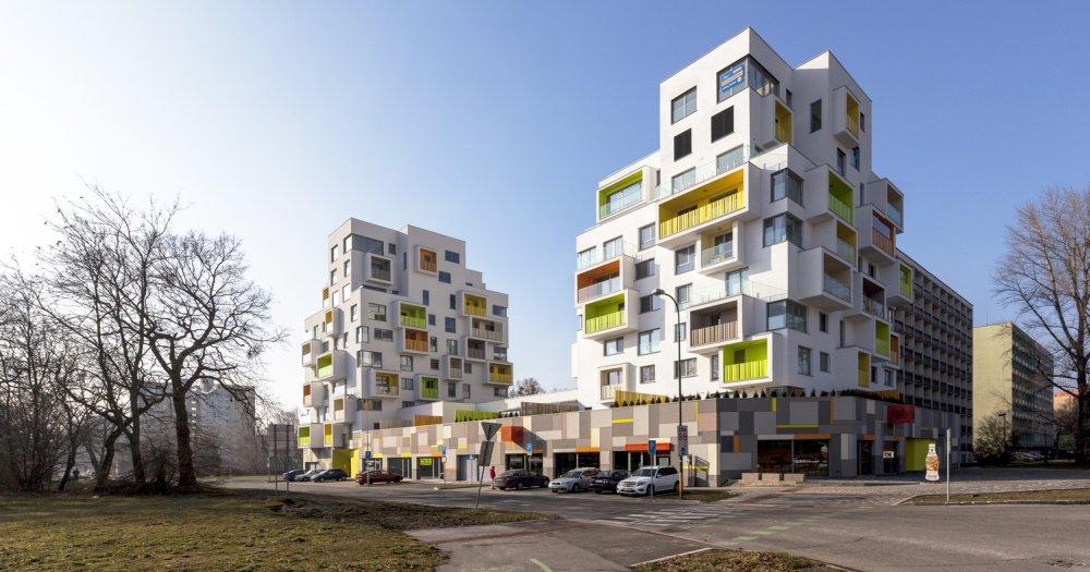 Stambena zgrada u kojoj stanari sami menjaju izgled fasade