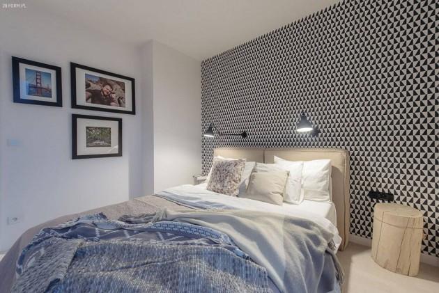 spavaca soba sa acrno belom tapetom