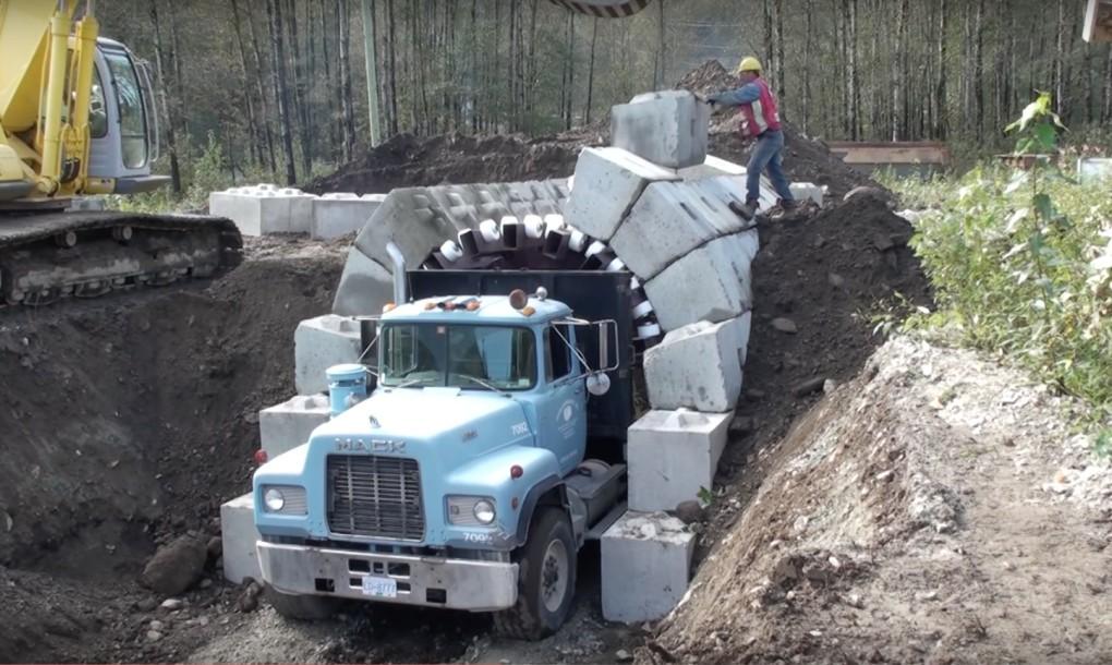 Rapidna gradnja tunela uz pomoć skele na kamionu