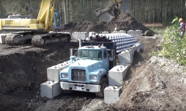 tunel-luk-kamion-skela-2