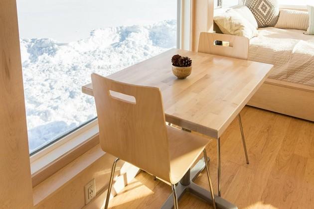 mali-trpezarijski-sto