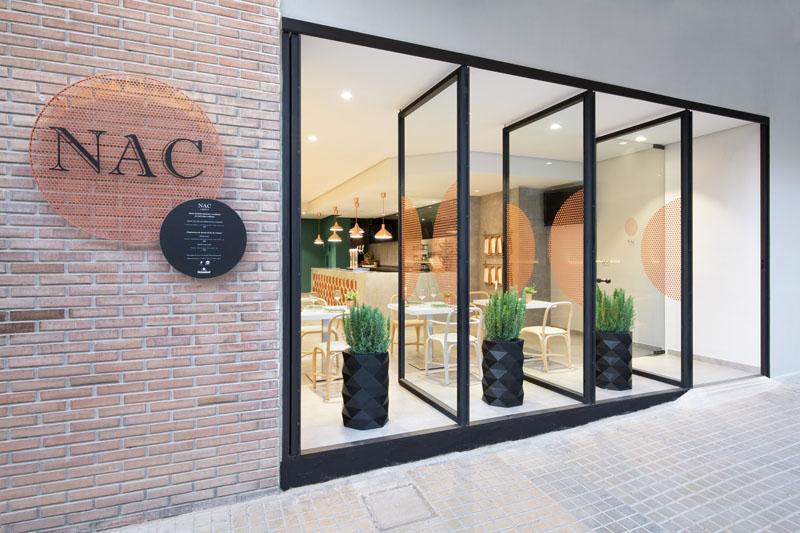Bakar kao glavni detalj enterijera španskog restorana