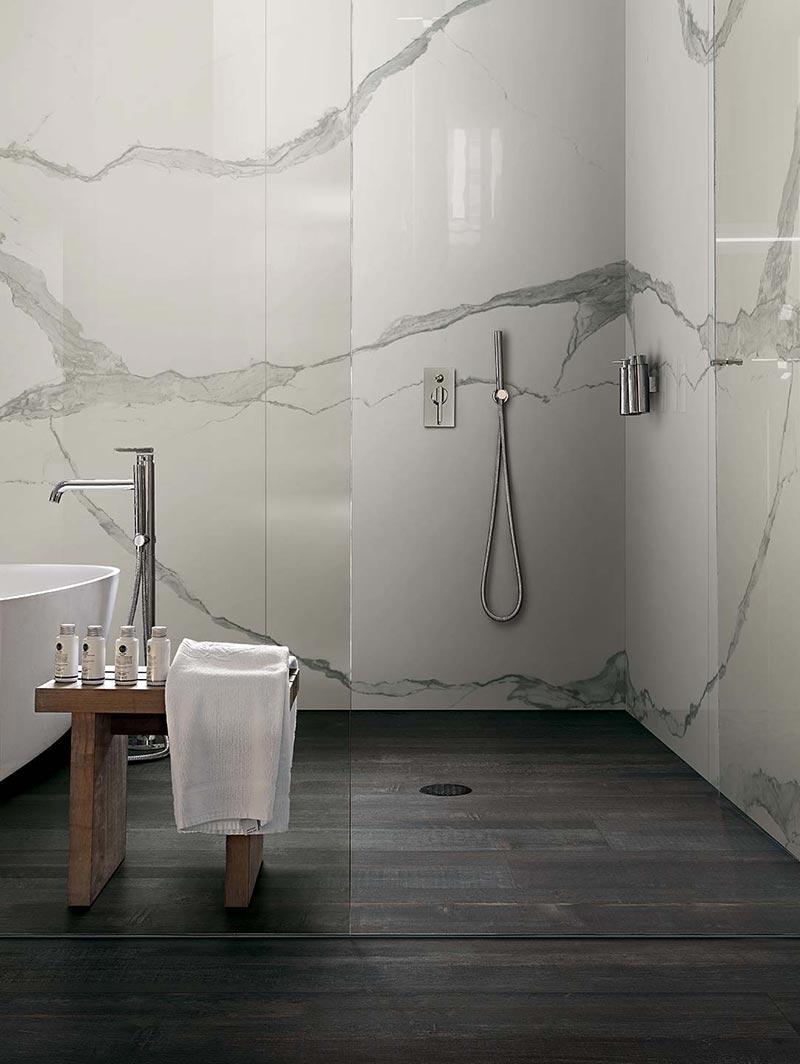 Ideje za ure enje kupatila plo ice sa izgledom mermera for Plaque marbre salle de bain