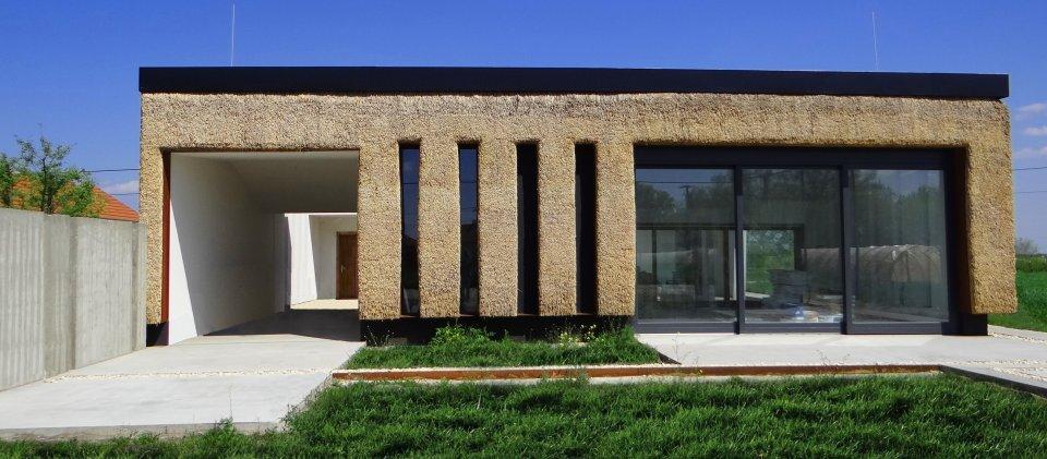 Savremena kuća od trske u Morahalomu