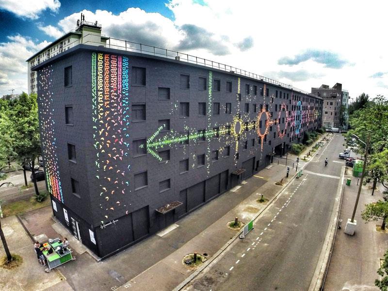 Najveći mural u Parizu napravljen origami tehnikom