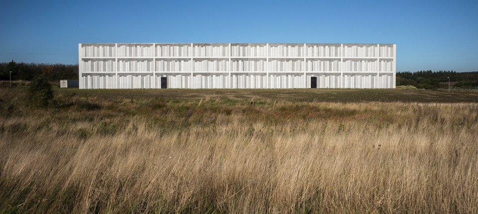 Zgrada koja svojim oblikom odaje svoju namenu