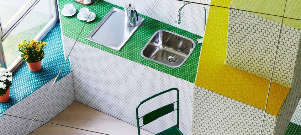 Mali stan od 36 kvadrata prekriven mozaikom