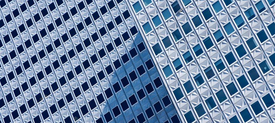 Nikola Olić pravi fascinantne fotografije zgrada s optičkim iluzijama