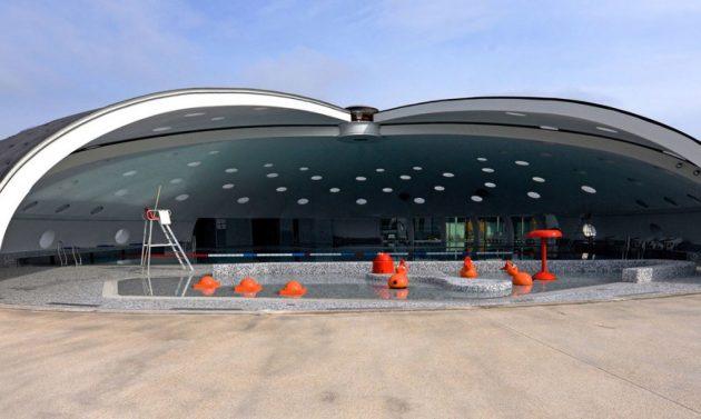 Tournesol-Swimming-Pool-Refurbishment-by-Urbane-Kultur-Hi-Macs-3