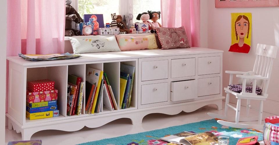 Zašto odabrati belu boju nameštaja za dečiju sobu