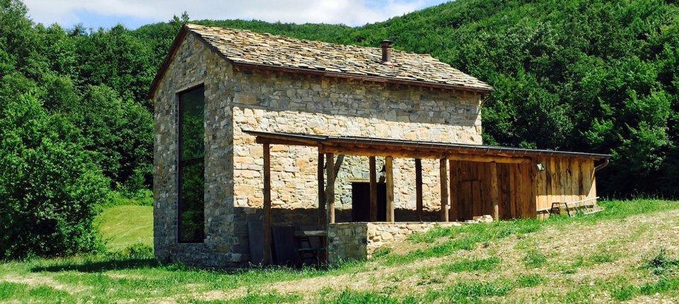 Ova stara kamena kuća savremenija je od domaće novogradnje